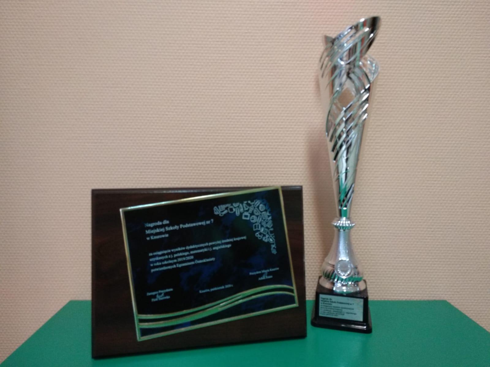 Nagroda dla Miejskiej Szkoly Podstawowej nr 7 w Knurowie